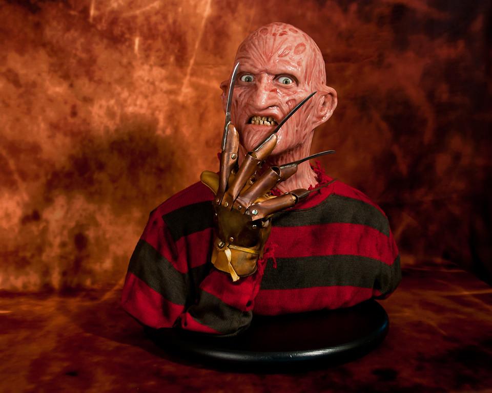 [Custom da Semana] 1:1 Silicone '85 Freddy Krueger Bust - Howard Studio FreddySil4